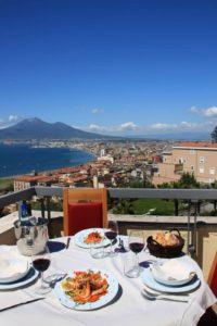 terrazzo vista mare e golfo di Napoli Hotel Vesuvian Inn