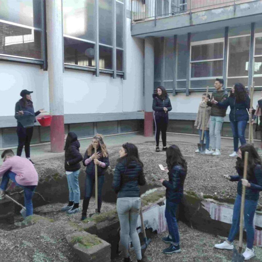 Cantiere di scavo archeologico simulato - laboratori formativi Castellammare di Stabia
